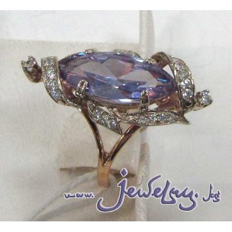 Золотое кольцо с аметистом и цирконами