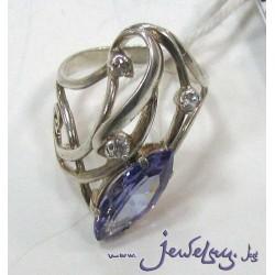 Серебряное кольцо с аметистом и цирконами
