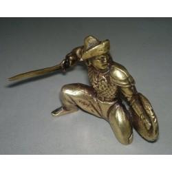 Воин с мечом литьё , латунь
