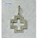 Серебряный крест с цирконами